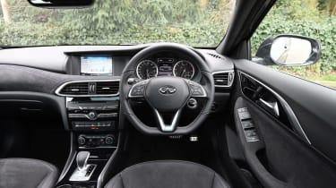 Infiniti Q30 Sport AWD 2016 - interior