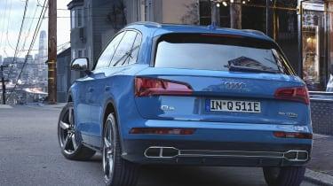 Audi Q5 charging