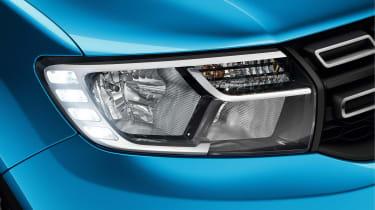 Dacia Logan MCV Stepway - front light detail