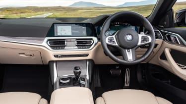 BMW M440i Convertible - dash