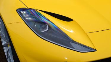 Ferrari 812 Superfast - front light