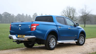Mitsubishi L200 pick-up gains towing capacity - rear