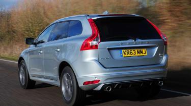 Volvo XC60 R-Design D4 2014  rear tracking