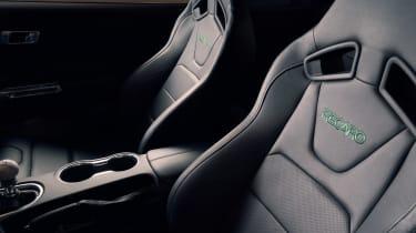 Ford Bullitt Mustang GT - seats