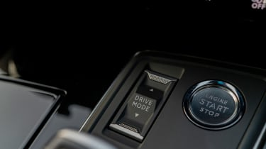 Peugeot 508 Sport Engineered - interior controls