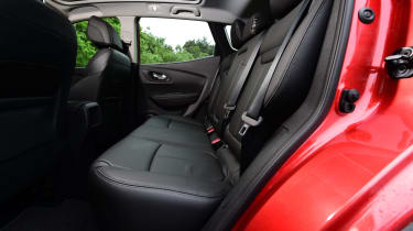 Renault Kadjar 2016 - rear seats