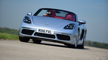 Convertible megatest - Porsche 718 Boxster - front tracking
