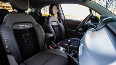 Fiat 500X Google - seats