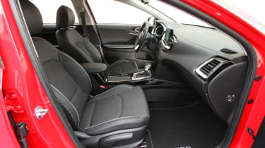 Kia Ceed - front seats