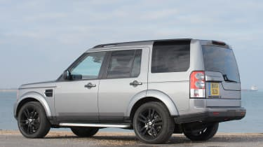 Used Land Rover Discovery review - rear quarter