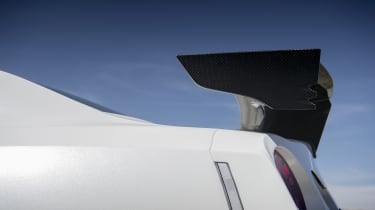 Nissan GT-R NISMO - spoiler