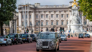 TX London Taxi - front tracking