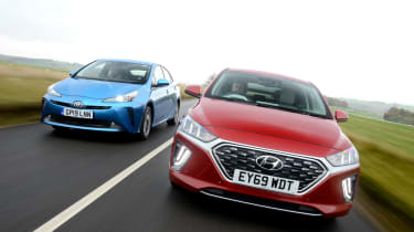 Hyundai Ioniq Toyota Prius - group
