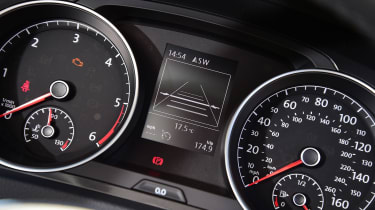 Volkswagen Golf Estate - dials