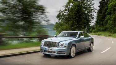 Bentley Mulsanne 2016 - front cornering