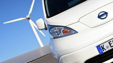 Nissan e-NV200 - front detail