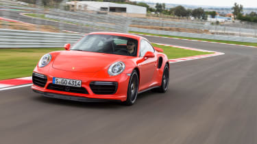 Porsche 911 Turbo S 2016 - front tracking