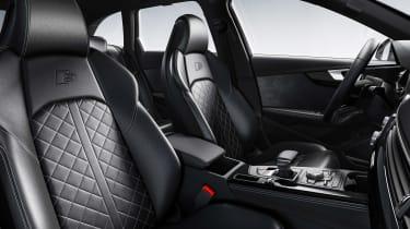 Audi S4 Avant - front seats