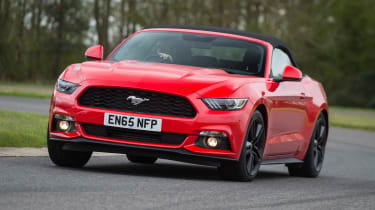 Ford Mustang 2.3 Convertible - front action