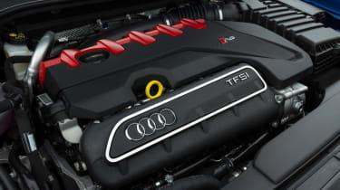 Audi RS 3 - engine
