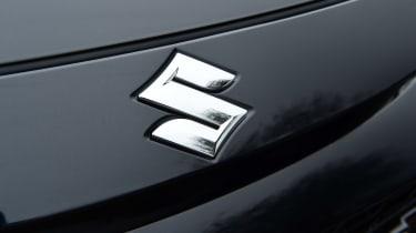 Suzuki Swace - Suzuki badge