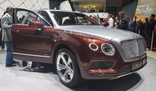 Bentley Bentayga PHEV - front