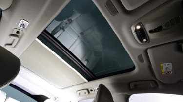 Volvo V90 - roof