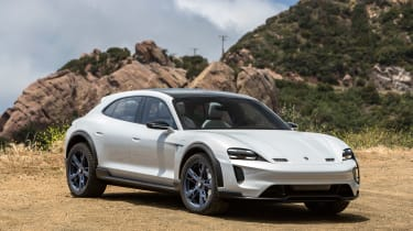 Porsche Mission E Cross Turimso - front static