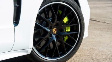 Porsche Panamera 4 E-Hybrid - wheel