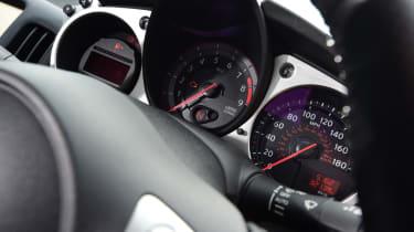 Nissan 370Z GT –dials