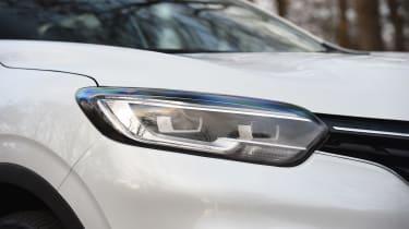 Renault Kadjar TCe 165 - front lights