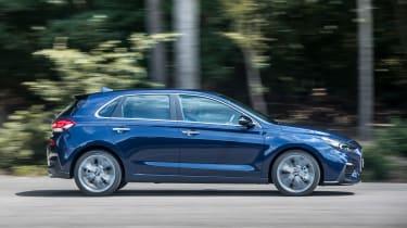 Hyundai i30 N-Line - profile
