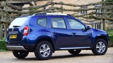 Dacia Duster automatic 2017 - rear quarter