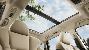 Subaru Ascent - sunroof
