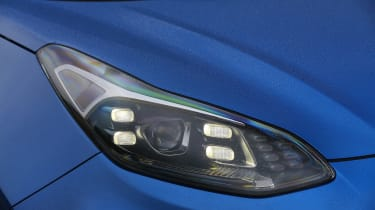 Kia Sportage 48V hybrid - front light