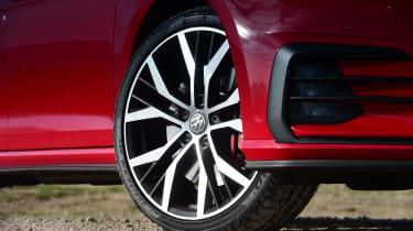 Volkswagen Golf GTI Performance Pack - wheel