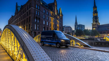 Mercedes e-Sprinter - crossing bridge