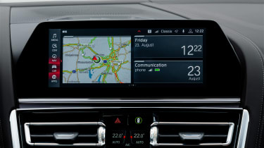 BMW M8 Gran Coupe - sat-nav