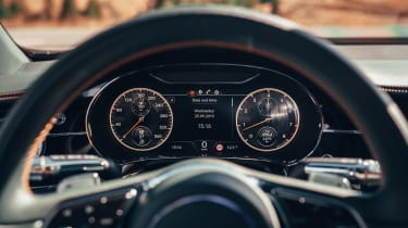 Bentley Flying Spur - instruments