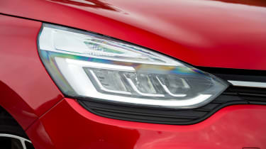 Renault Clio - front light detail