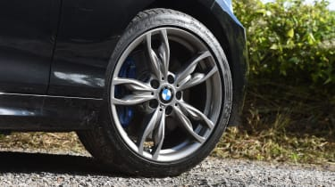 BMW M240i Convertible wheel