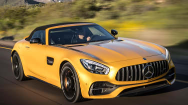 Mercedes-AMG GT C Roadster 2017 - front tracking 2