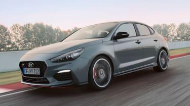 Hyundai i30 N Fastback - front tracking