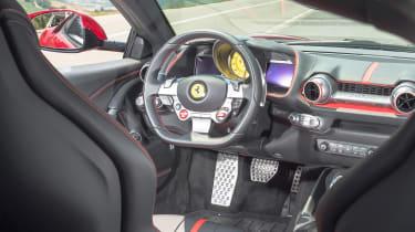 Ferrari 812 Superfast - dash