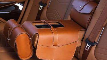 Aston Martin DBX - luggage