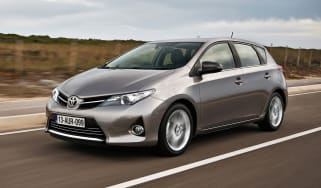 Toyota Auris front tracking