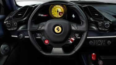 Ferrari 488 Pista Spider - steering wheel