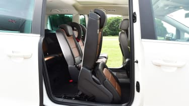 SEAT Alhambra - middle seat