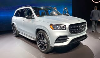 Mercedes GLS - New York front