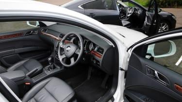 Mazda 6 vs Skoda Superb 2013 interiors